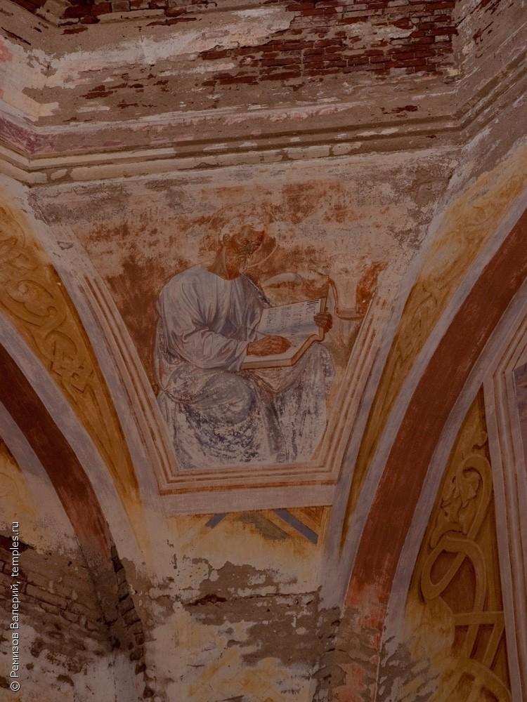 Церковь Воскресения Словущего в Ахматово