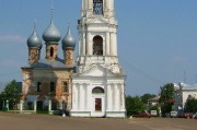 Церковь Георгия Победоносца, устроенная в нижнем ярусе колокольни Входоиерусалимского собора в городе Юрьевце Ивановской области.
